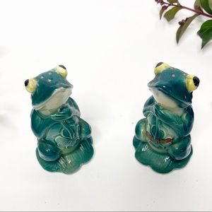 VTG Shamrock Frogs VA Beach Salt Pepper Shakers